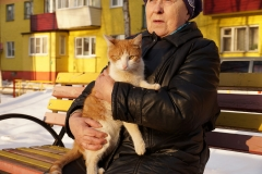 Extraordinary cat & aunt Valya
